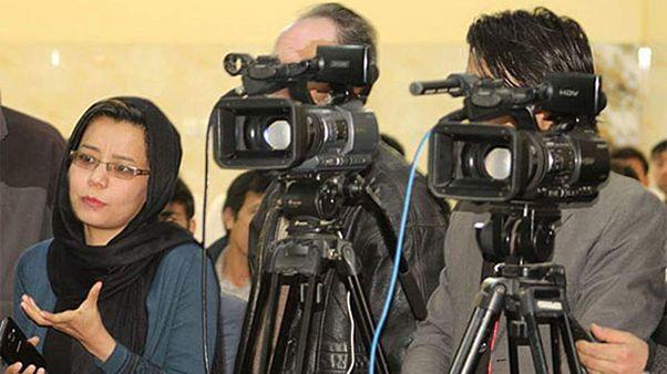 خبرنگاران زن در افغانستان، زیرفشار تهدید، تبعیض و آزار جنسی