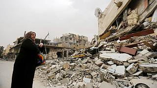 Síria: Residentes de Palmira regressam para verificar casas abandonadas e resgatar bens