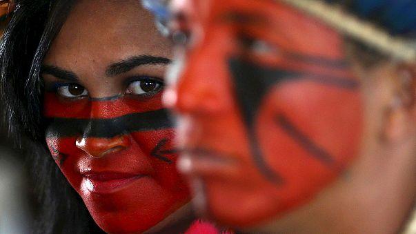 Βραζιλία: «Ντίλμα φύγε» φωνάζουν οι πολιτικοί της αντίπαλοι