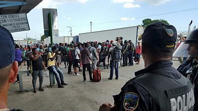 Costa Rica deports 250 African migrants to Panama