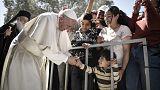Λέσβος: Ο Πάπας «έριξε τα σύνορα» για 12 Σύρους πρόσφυγες