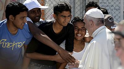 Pope Francis pleads for resolution of refugee crisis