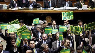 Rousseff contraataca en vísperas de la votación que decidirá si se abre contra ella un proceso de destitución