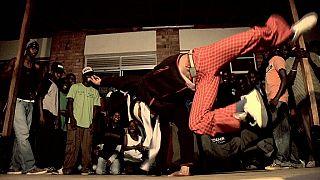Ouganda : le break dance en vogue dans les rues de Kampala