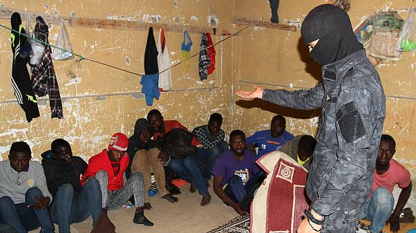 Hundreds of migrants rounded up in Tripoli