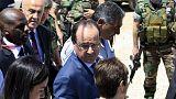 Hollande rencontre des réfugiés syriens au Liban