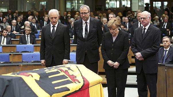 Almanya'da Genscher için devlet töreni