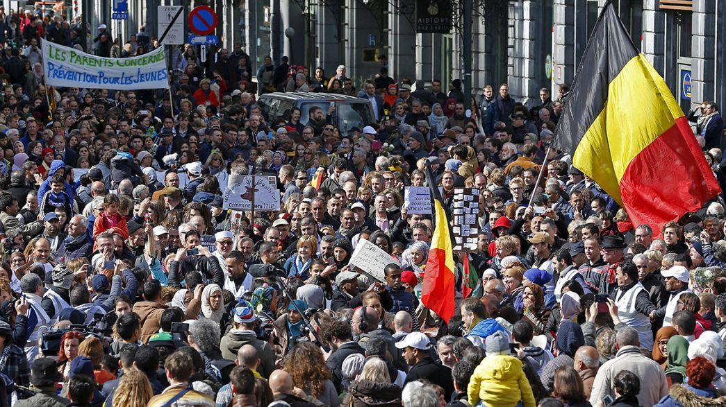"""""""Contro il terrore e l'odio"""" in migliaia hanno sfilato a Bruxelles"""