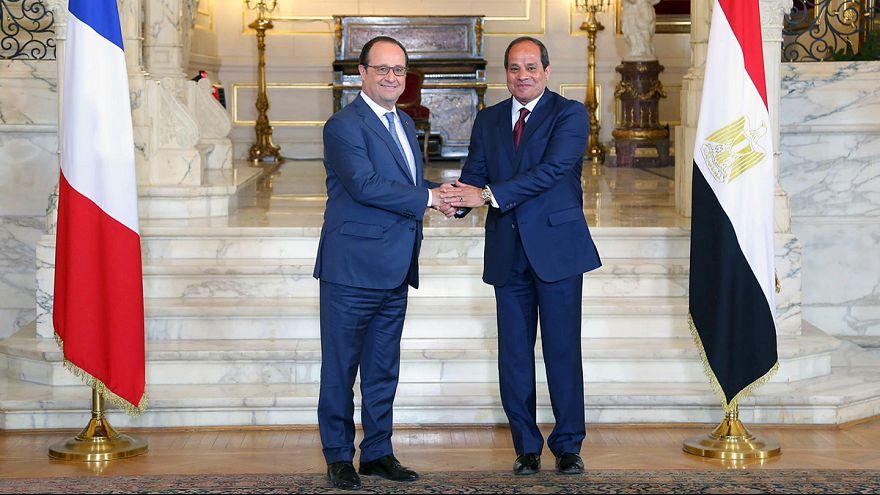 François Hollande llega a El Cairo para mostrar su apoyo a Abdelfatah al Sisi