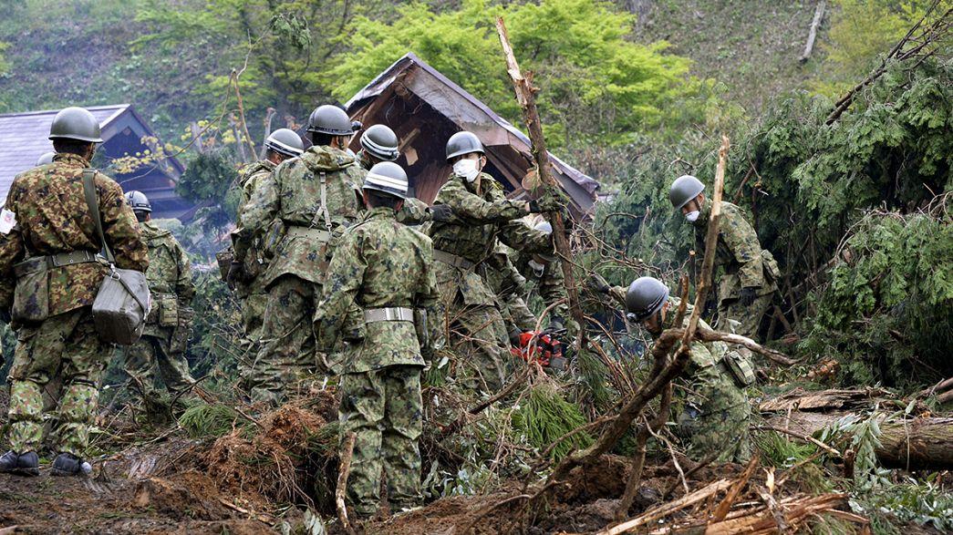 Japonya depremin yaralarını sarıyor