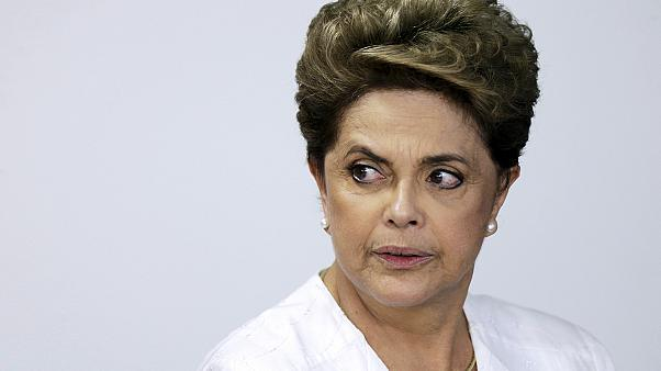 Brazília: az alsóház kétharmada az elnök ellen voksolt