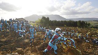 Japon : mesures d'urgence pour faire face aux conséquences du séisme