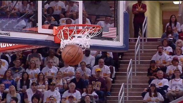 NBA: Cleveland, Detroit'i 'büyük üçlü'yle devirdi