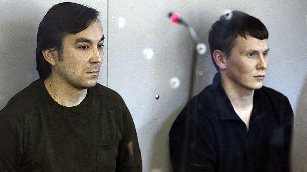 Tizennégy év börtönre ítélték az Ukrajnában elfogott két orosz katonát