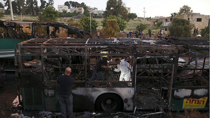 Terrortámadásnak minősítették az izraeli busz felrobbanását