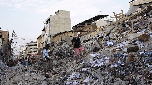 Ekvador'daki depremde ölenlerin sayısı 400'ü geçti