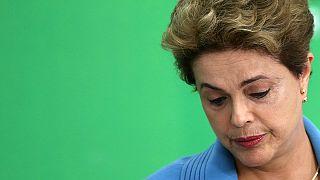 Brésil : pour Dilma, la crise économique explique la crise politique