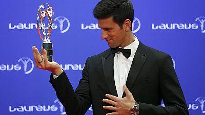 Djokovic es galardonado en unos premios Laureus dedicados a Johan Cruyff