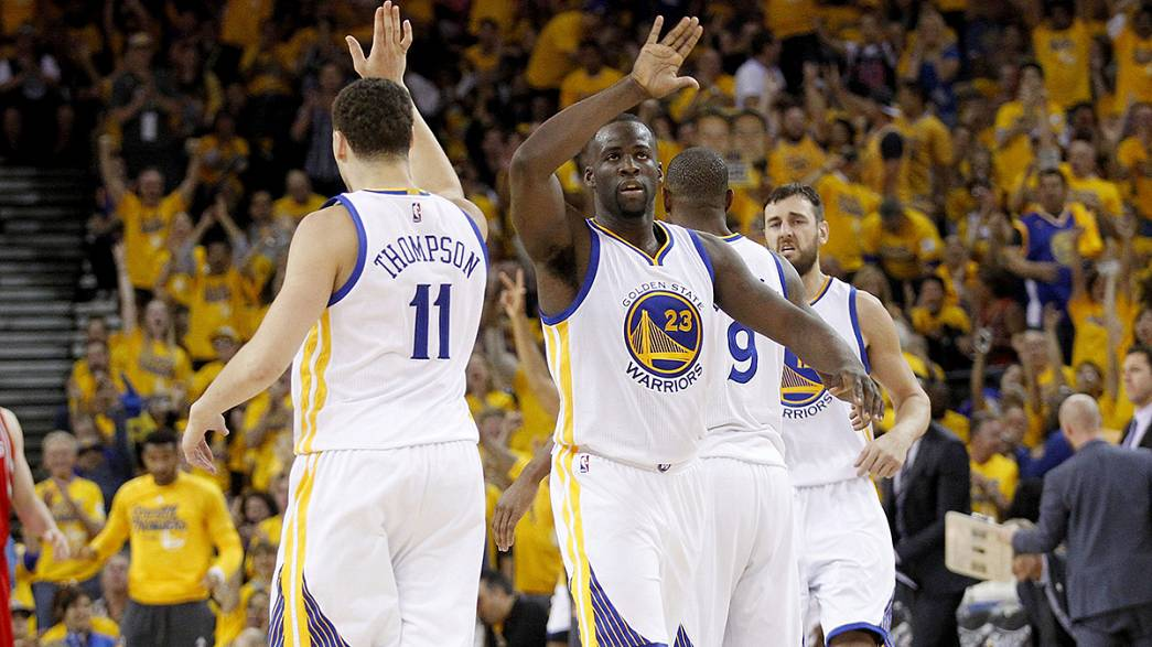 Los Warriors encarrilan la eliminatoria con una nueva victoria ante los Houston Rockets