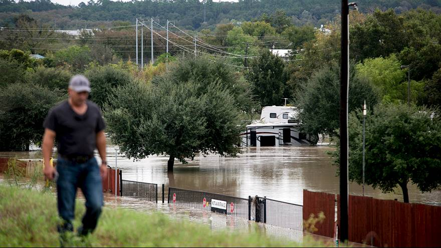 В Техасе сохраняется опасность наводнения