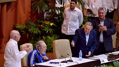 Cuba's Castro brothers to allow the young to lead