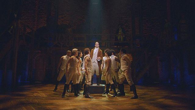Amerika tarihi tiyatro sahnesinde