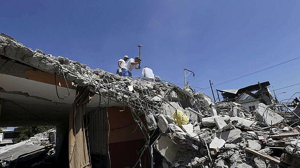 Erneutes Beben und Nachbeben erschweren Rettungsarbeiten in Ecuador