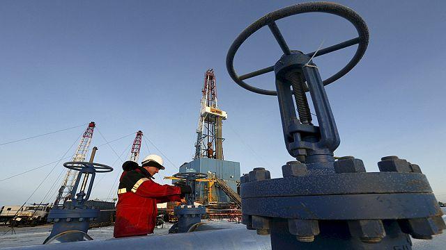Business Line: эпоха дешевой нефти и музыки