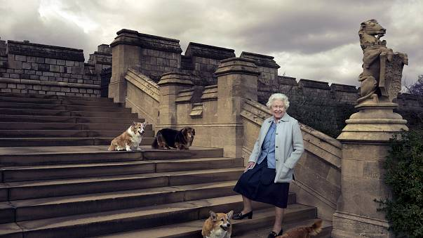 90 éves II. Erzsébet brit királynő