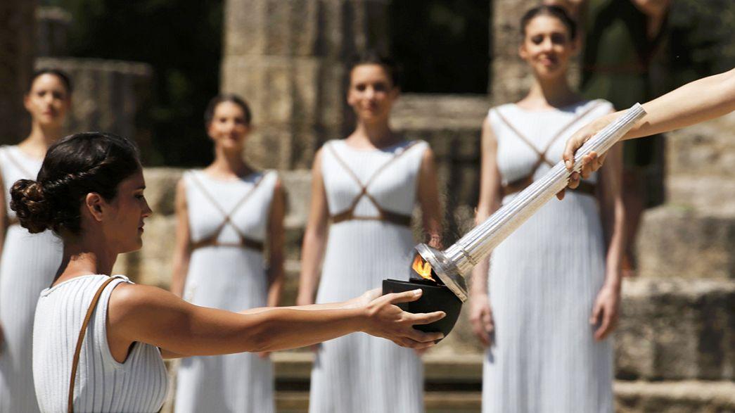 Olympisches Feuer für Rio 2016 entzündet