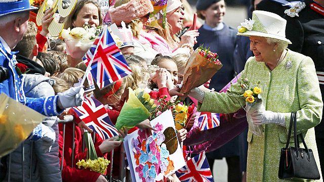 ملكة بريطانيا إليزابيث الثانية تحتفل بعيد ميلادها التسعين