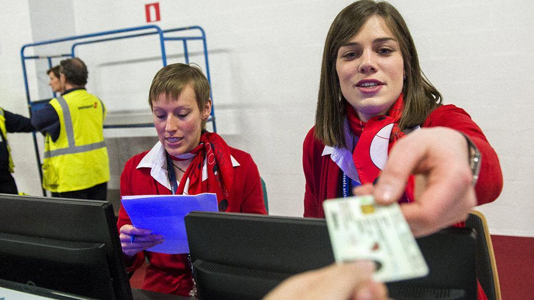 وزراء داخلية الإتحاد الأوروبي يقرون العمل بالسجل الأوروبي الموحد للبيانات الشخصية للمسافرين جوا.
