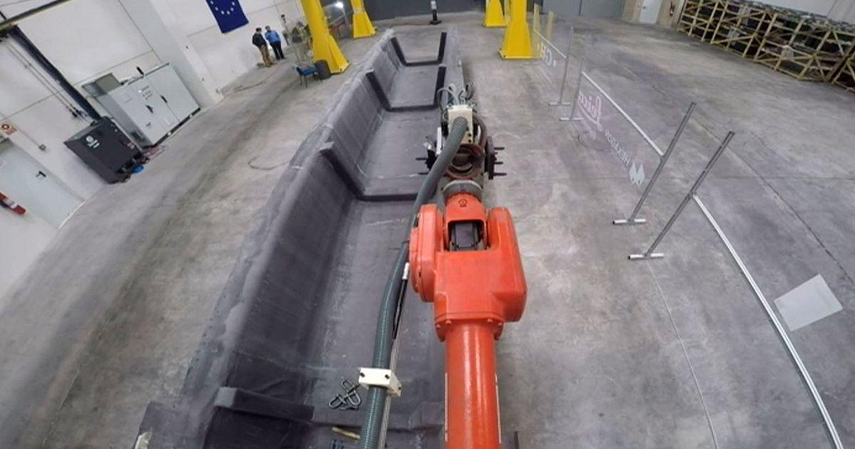 Saragosse le plus grand robot du monde euronews hi tech - Robot le plus intelligent ...