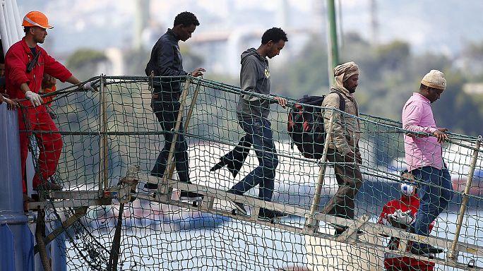 Göçmenler Afrika-İtalya hattına yöneldi
