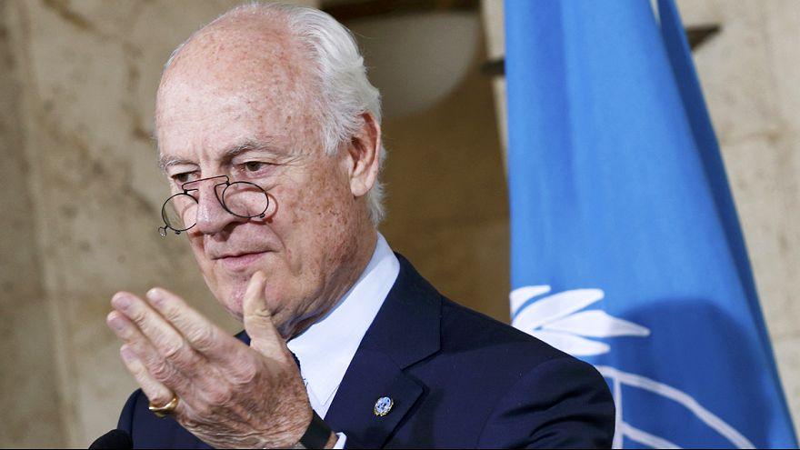 Сирия: гуманитарная помощь поставляется, но мирные переговоры приостановлены