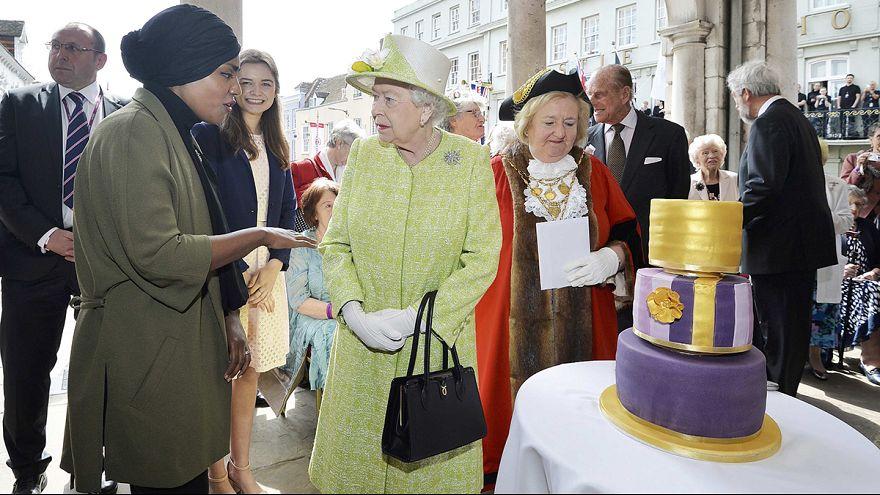 90-летие Елизаветы II: лимонный торт и маяки