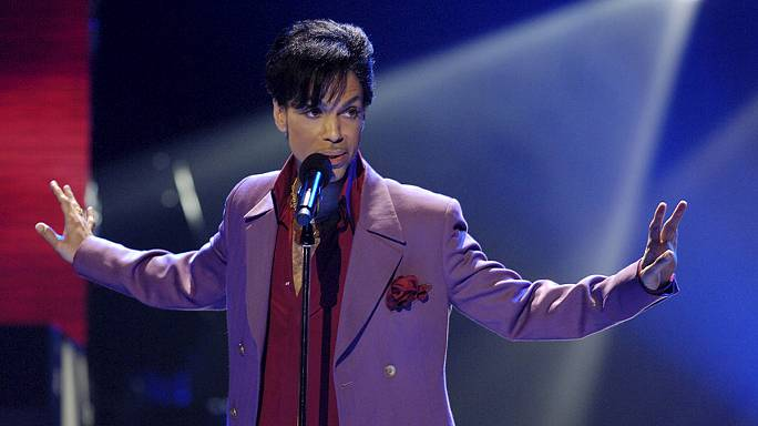 Prince-re emlékeznek a rajongók