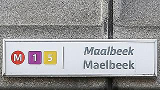 Comissão Parlamentar belga visita metro de Maelbeek onde um dos bombistas suicida se fez explodir