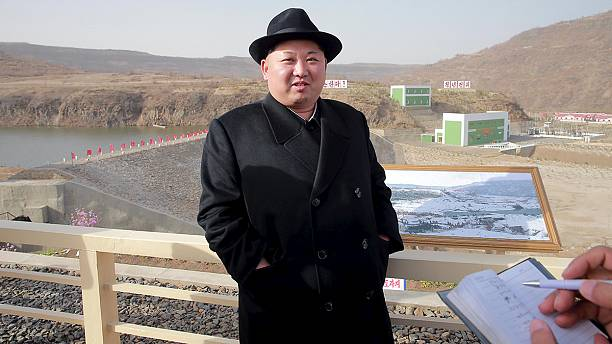 North Korea 'fires ballistic missile from submarine'