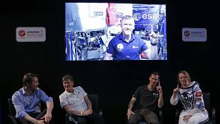 Astronaut Tim Peake 'runs' the London Marathon in space