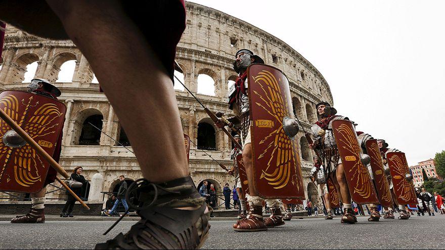 Róma látványos születésnapja