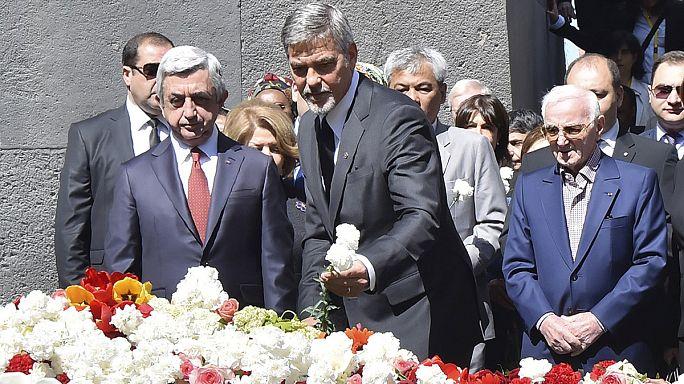 Джордж Клуни и Шарль Азнавур почтили память жертв массового убийства армян