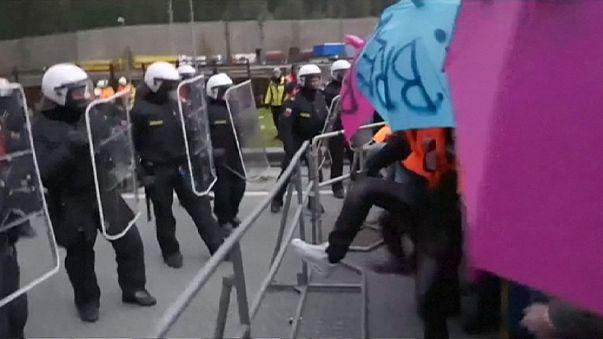 Manifestation à la frontière austro-italienne contre le rétablissement des contrôles