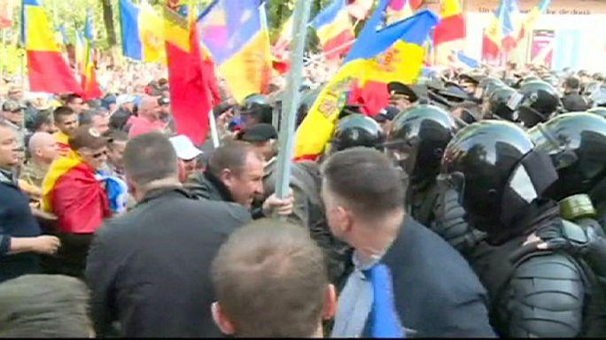مشادات في مولدافيا بين الشرطة ومحتجين ضد تفشي الفساد في أجهزة الدولة