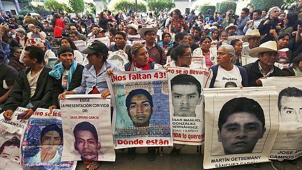 خبراء دوليون يتهمون السلطات المكسيكية بعرقلة التحقيق في اختفاء مشبوه لـ: 43 طالبا