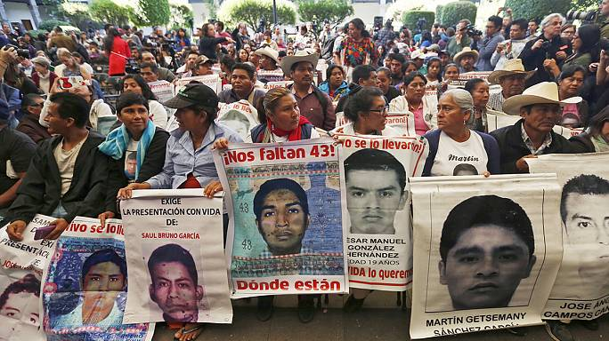 Mexico's government accused of blocking probe into massacred students