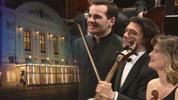 اجرای قطعات برامس و وُژَک توسط نوازندگان «ارکستر تونهال زوریخ» در وین
