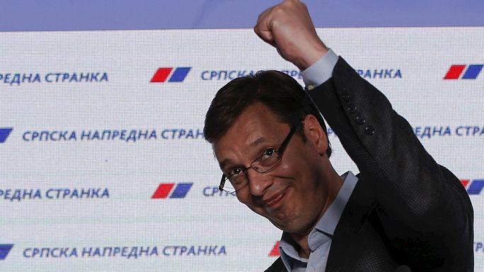 Sırbistan'da koalisyon devri merkez sağın zaferiyle sona erdi