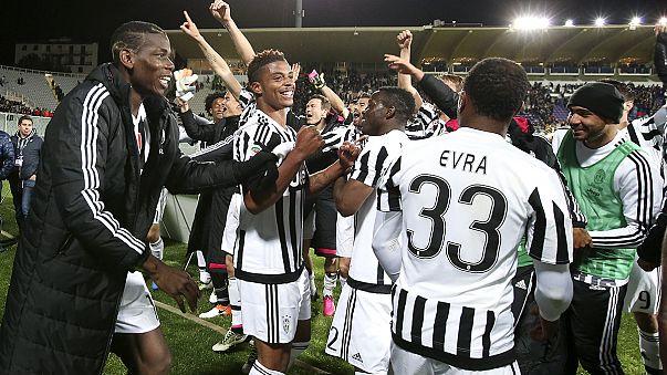 La Juventus conquista il 32º scudetto, il Leicester a un passo dal primo