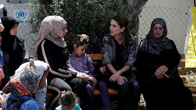 Ürdün Kraliçesi Rania Midilli Adası'ndaki mültecileri ziyaret etti
